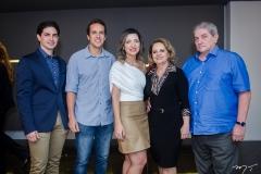 Jonathan, Nilo Magalhães, Natália Mgagalhães, Adélia e Paulo Magalhães