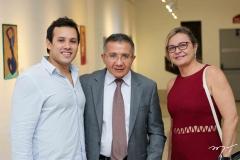 Lucas e Marcos Vinicius Lima e Luciana Monteiro