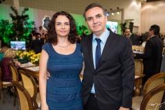Ana Lúcia dos Santos e Eduardo Loureiro Júnior