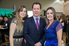 Lara, Carlos e Liana Fujita