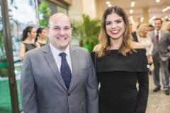 Roberto Cláudio e Carol Bezerra