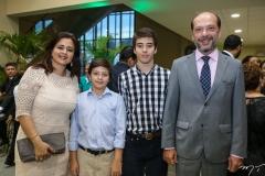 Vivian, Gustavo, André e Ivo Ferreira Gomes