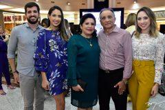 Lucas-Barreto-Isabel-Nogueira.-Naide-Pinheiro-Fernando-Nogueira-e-Cecilia-Pinheiro