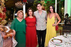 Consuelo, Regina e Marcelo Dias Branco e Júlia Leal