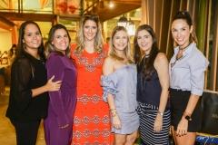 Carol Aragão, Ana e Rebeca Leal, Priscila Fontenele, Camila Sá e Marcela Carvalho