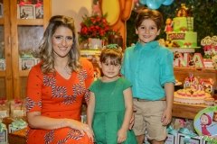 Rebeca, Athina e Henry Bastos
