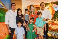 Thiago, Rafael, Priscila e Sarah Leal, Rebeca, Athina, Henry e Bruno Bastos