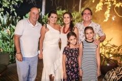 Fernando e Márcia Travessoni, Sara, Manoela, Maria e Ricardo Bacelar