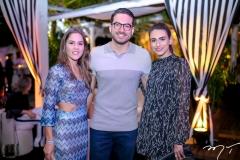 Daniela Frota, Bernardo Santana e Larissa Luz