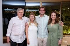 Amarílio Macêdo, Bruna Magalhães, Ravi e Patrícia Macêdo