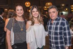 Marília, Priscila e Sérgio Esteves