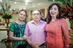 Paula Frota, Tobias Navarro e Gina Pompeu