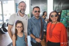 André e Isabel Benevides, Roger Ponte e Regina Caracas