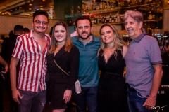 Felipe Araújo, Clara Ferreira, Isaac Azar, Tatiana e Angelo Oliva
