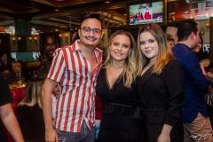 Felipe Araújo, Tatiana Oliva e Clara Ferreira
