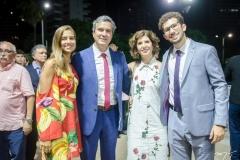 Maria Lobo, Tiago Santana, Luciana Lobo e João Lobo Santana (2)