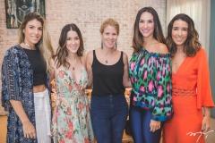 Patrícia Santiago, Sara Brasil, Giordana Martins, Marcela Cabral e Mari Lima