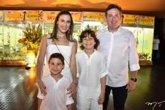 Erica, João, Pedro e Samuel Dias