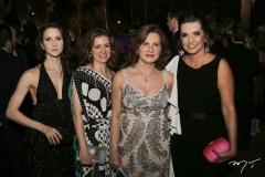 Carla, Natália e Renata Jereissati e Márcia Travessoni