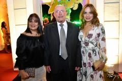 Vânia e Gilberto Rigobello e Cristina Tavares