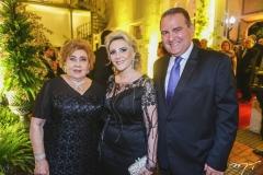 Consuelo Dias Branco, com Graça e Jório da Escóssia