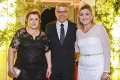 Lucília e Paulo César Norões, com Simone Morais