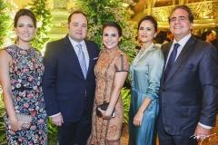 Marília Queiroz Machado, com Otávio e Adriana Queiroz e Manoela e Ricardo Bacelar