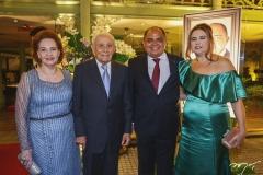 Norma e Humberto Bezerra, com Teodoro e Ana Maysa Santos