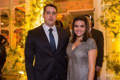Thiago e Priscila Leal