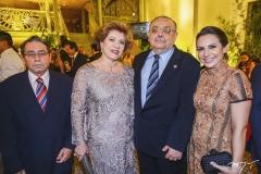 Tobias Navarro, com Rosa e Sérgio Gomes de Matos e Adriana Queiroz