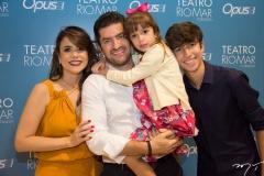 Camila, Paulo, Beatriz e Paulo Filho Benevides