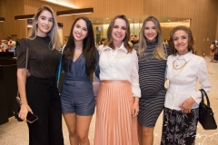 Jéssica, Gabrielle, Eveline, Karla e Neuza Benevides