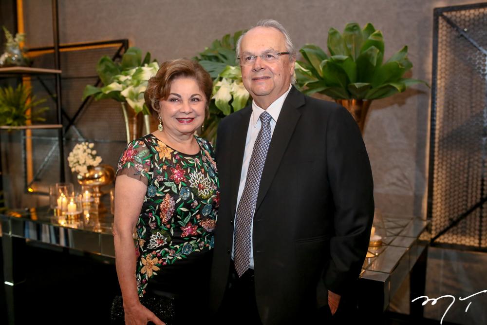 Marcia Medeiros e Helio Galisa