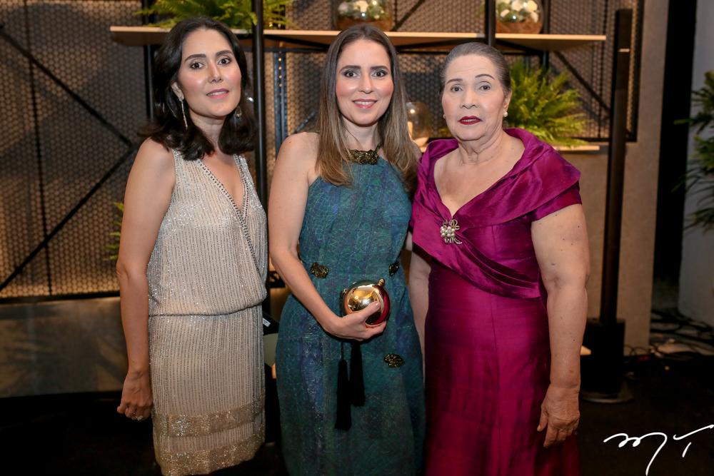 Mariana, Águeda e Ana Muniz