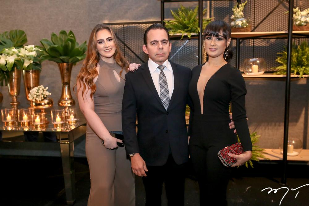 Sofia e Alexandre Guilhon e Natali Zotele