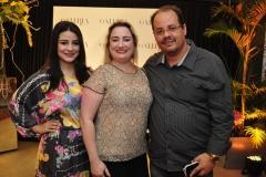Amanda Bessa, Mirela e Marcelo Barros