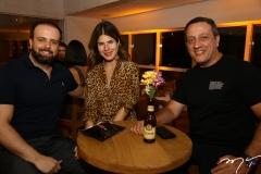 Victor Brasil, Tayna Ginepri e Viana Jr