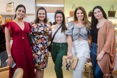 Gabriela Geleilate, Carol Damiani, Naiara Sidinéia, Surama Geleilate e Jennifer Reis