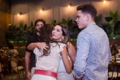Márcia Travessoni e Vignoli recebem convidados