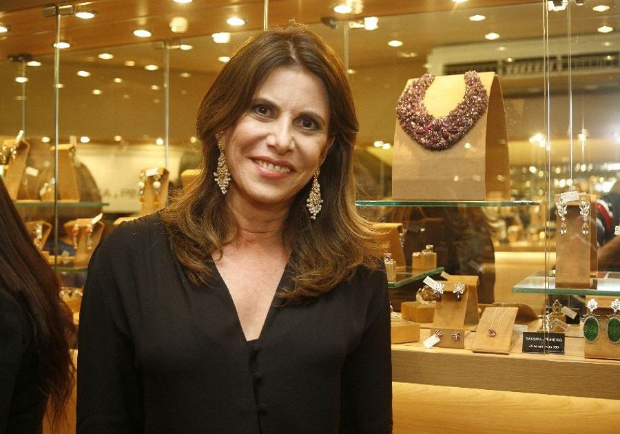 Sandra Pinheiro lança coleção de festas hoje