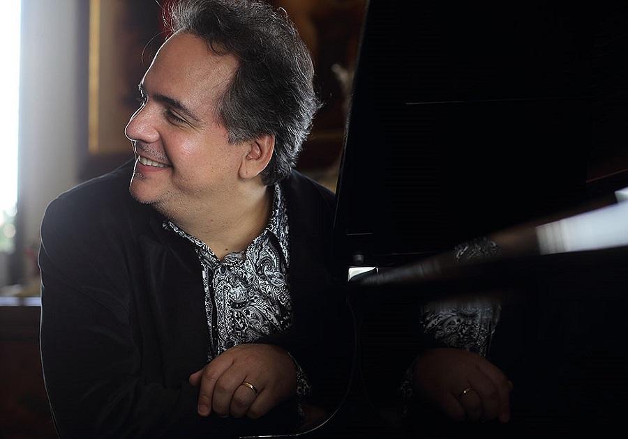 Ricardo Bacelar lança CD e DVD no Celina Queiroz