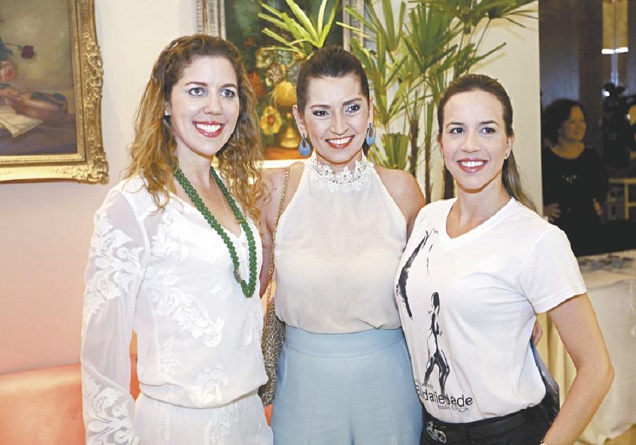Ticiana Queiroz promove Awaken Love Festival