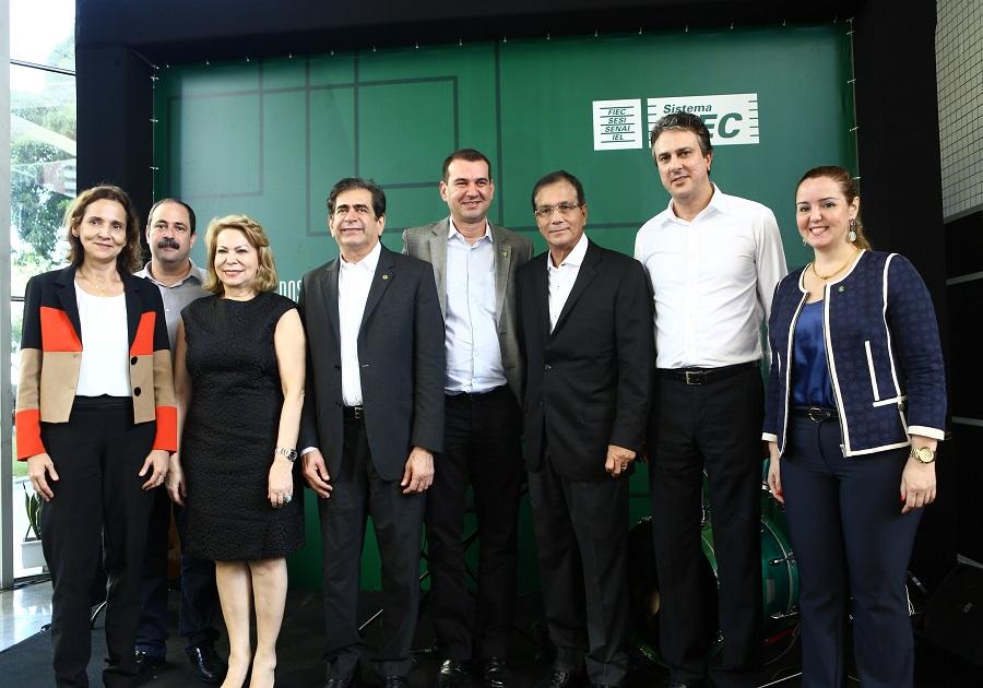 Beto Studart recebe Camilo Santana na Casa da Indústria