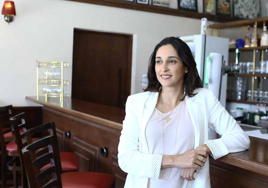 #Perfil   A versatilidade de Carolina Cavalcante