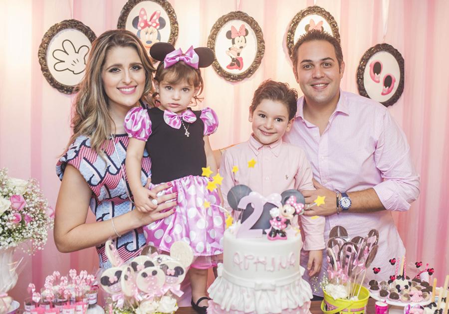 Bruno e Rebeca Bastos comemoram aniversário da pequena Athina!