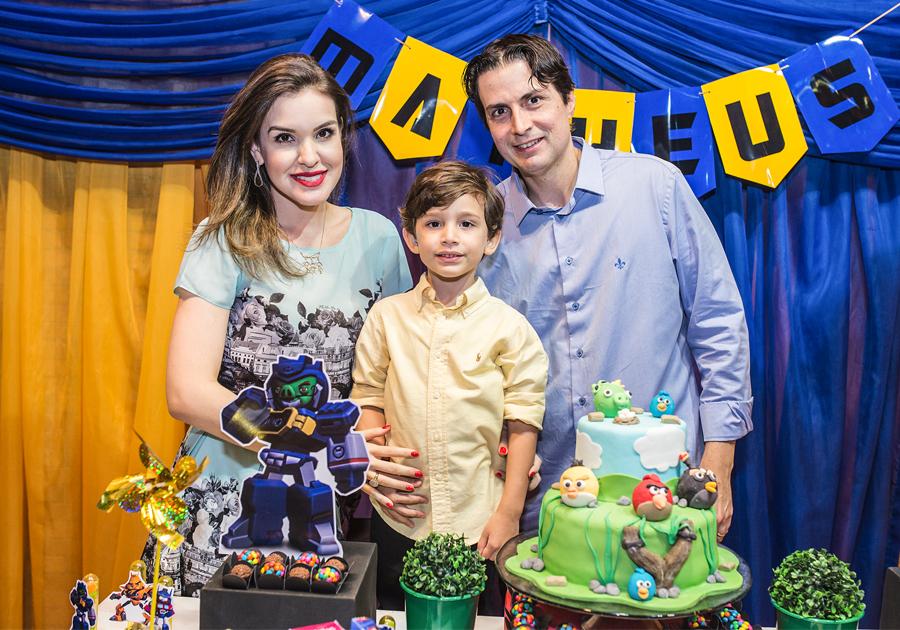 Renata e Marcelo Pinheiro comemoram os 4 anos de Matheus