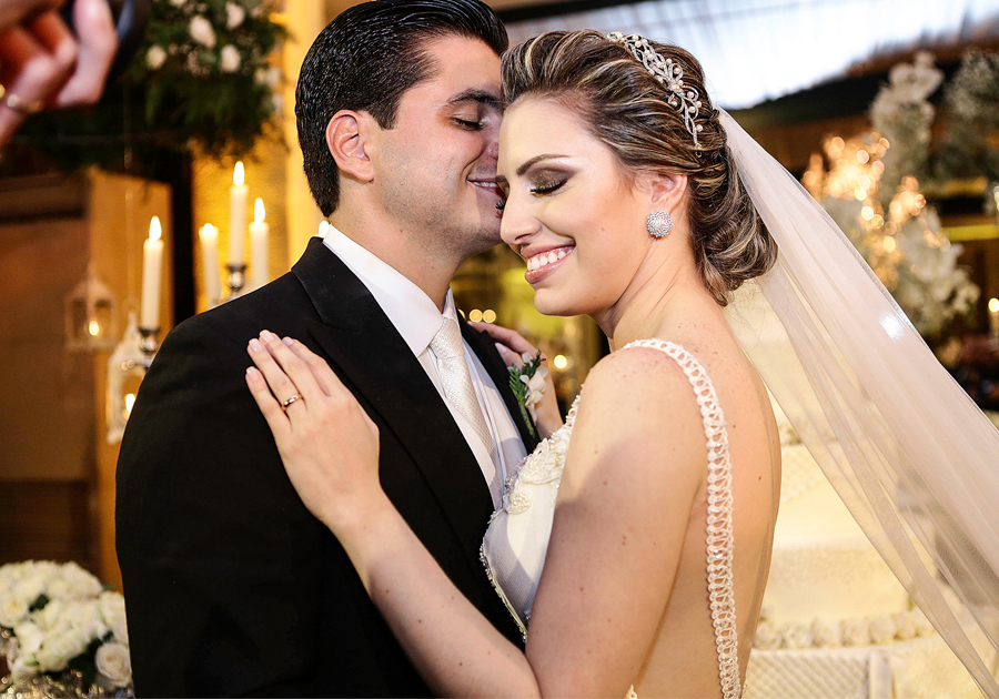 Raíssa Vasconcelos e Odmar Feitosa Filho casam-se em cerimônia inesquecível!
