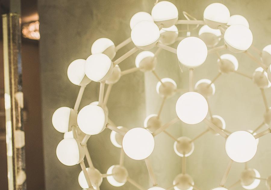 #ToqueMT | Luminária moderna e sofisticada da Paroma