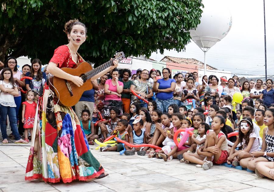 Onélia Leite leva a ação Arte na Praça a 30 municípios | Confira tudo!