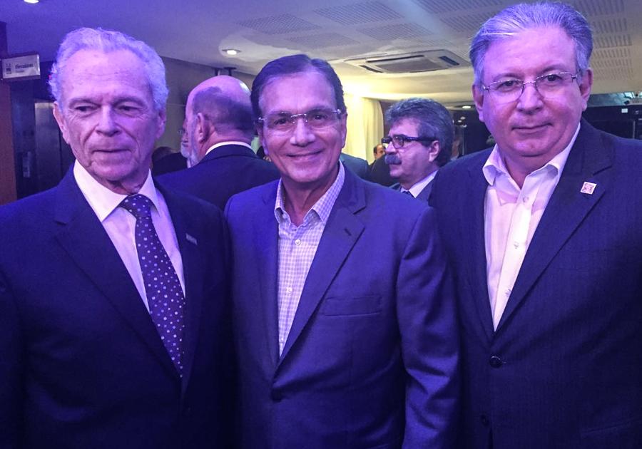 Beto Studart prestigia posse de Ricardo Essinger como presidente da FIEPE